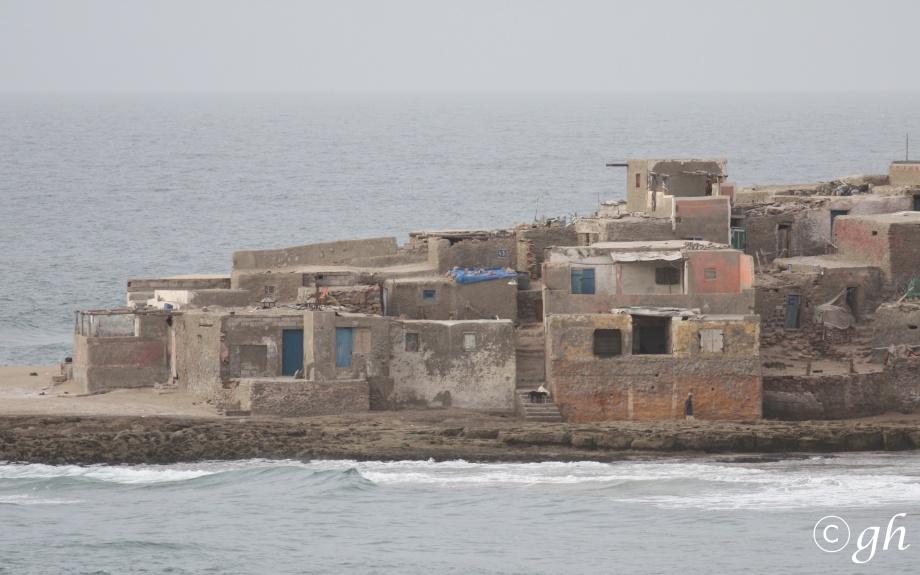 vissersdorp ten zuiden van Agadir / fishing-village south of Agadir